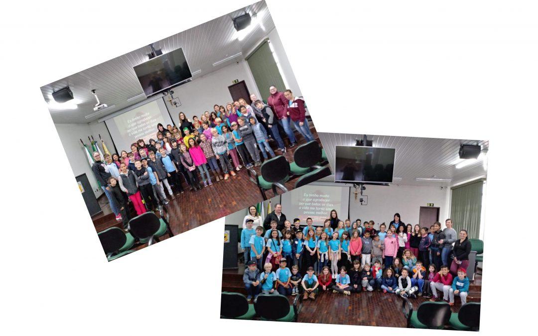 Crianças do 4º ano do Ensino Fundamental do Município conheceram o Legislativo Municipal e aprenderam mais sobre o trabalho dos Vereadores!